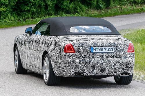 Rolls-Royce Dawn mui mềm, giá khoảng 6 tỷ đồng - 3