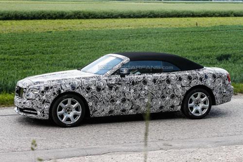 Rolls-Royce Dawn mui mềm, giá khoảng 6 tỷ đồng - 2