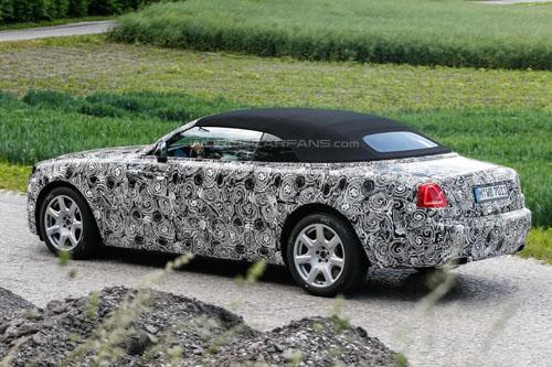 Rolls-Royce Dawn mui mềm, giá khoảng 6 tỷ đồng - 6