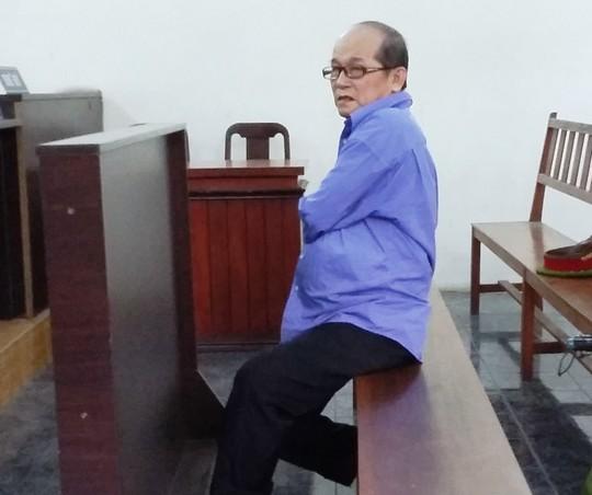 Cưỡng dâm bé gái, yêu râu xanh 63 tuổi bị 15 năm tù - 1