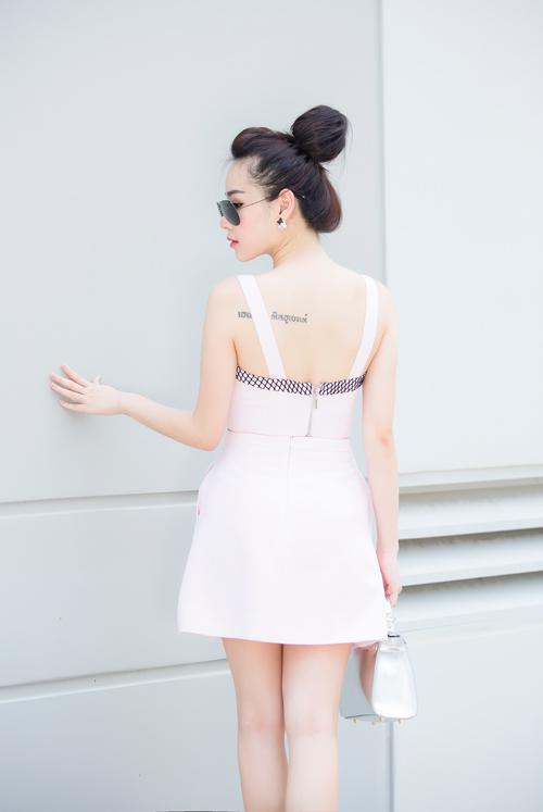 """""""Hot girl bán hàng online"""" mê diện váy điệu xuống phố - 5"""