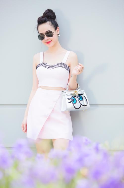"""""""Hot girl bán hàng online"""" mê diện váy điệu xuống phố - 7"""