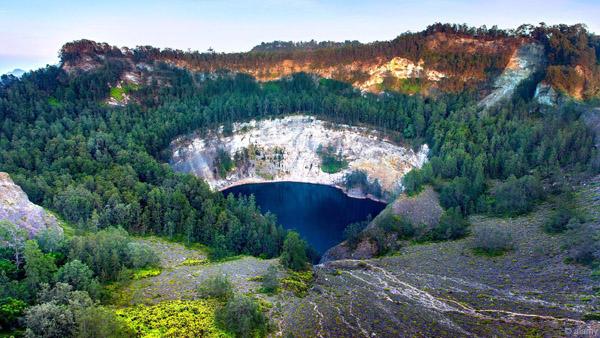 Choáng ngợp trước những núi lửa đẹp tuyệt mỹ - 4