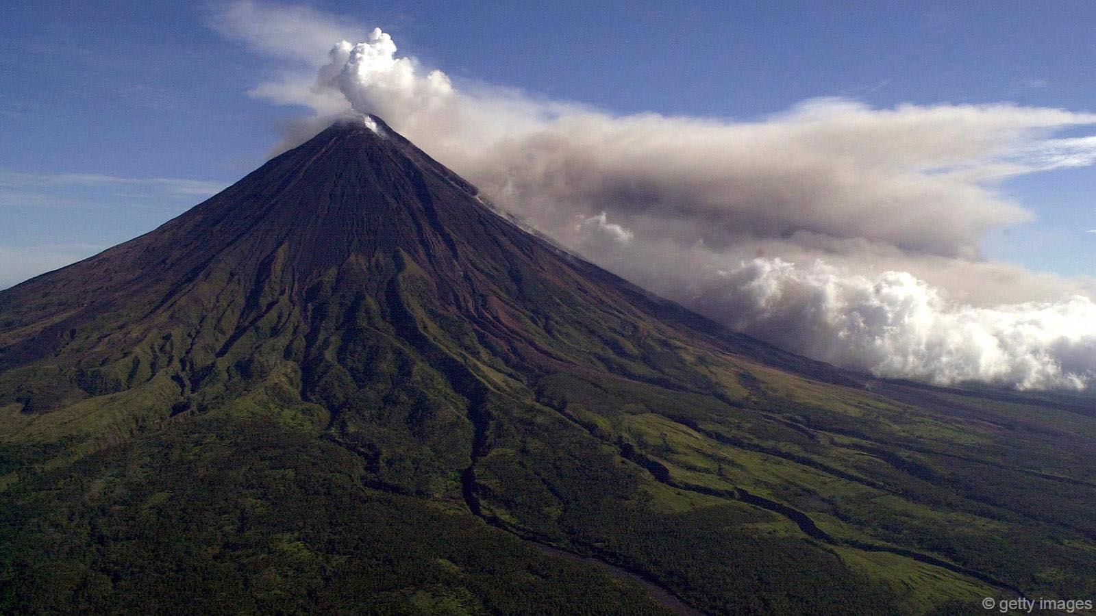 Choáng ngợp trước những núi lửa đẹp tuyệt mỹ - 2