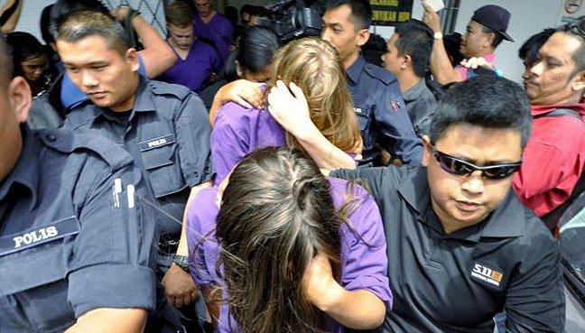 """Malaysia trục xuất du khách khỏa thân làm """"ô uế"""" núi thiêng - 2"""