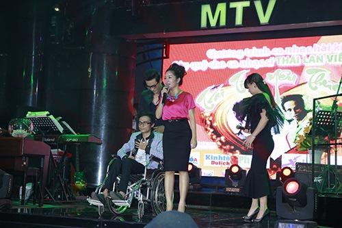 Sao Việt hết lòng ủng hộ ca sĩ Thái Lan Viên - 3