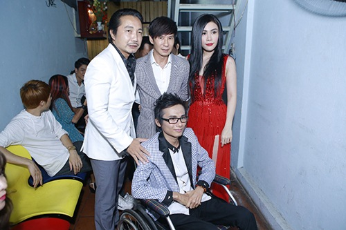 Sao Việt hết lòng ủng hộ ca sĩ Thái Lan Viên - 8