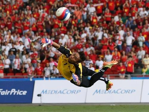 """Báo chí ĐNA tung hô """"người nhện"""" của U23 Myanmar - 4"""