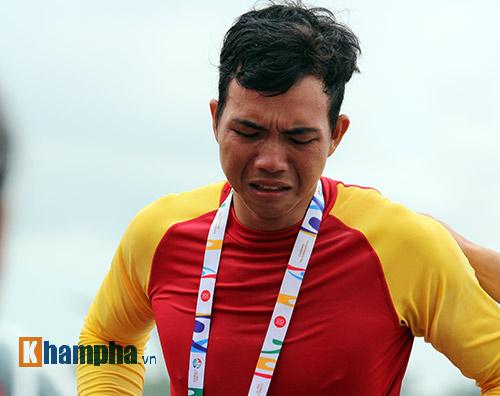 Nam VĐV Việt Nam khóc ngất vì mất vàng SEA Games - 5