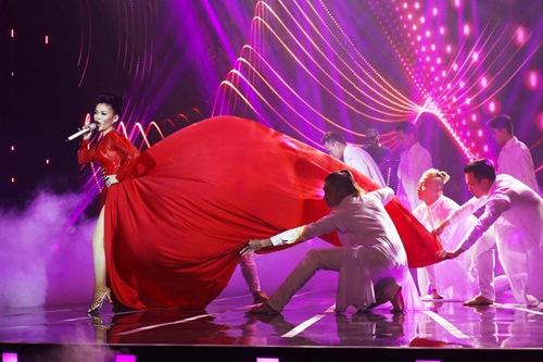 """Hải Yến Idol được mẹ """"cứu nguy"""" trước giờ diễn - 9"""