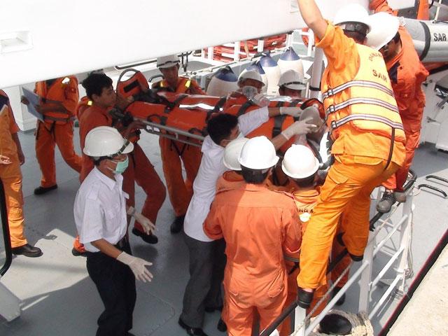 Tàu hàng đâm tàu cá, ngư dân tử vong - 1