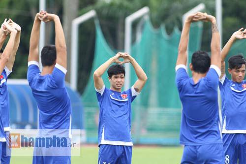 Giấu nỗi buồn, U23 VN gắng sức tập luyện - 2
