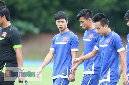 Giấu nỗi buồn, U23 VN gắng sức tập luyện - 4