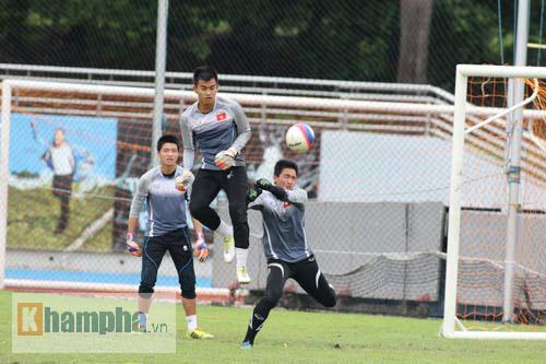 Giấu nỗi buồn, U23 VN gắng sức tập luyện - 5