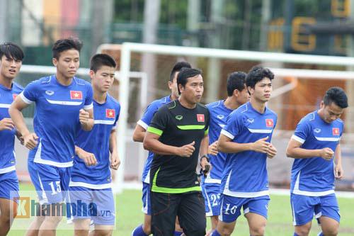 Giấu nỗi buồn, U23 VN gắng sức tập luyện - 7