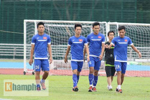Giấu nỗi buồn, U23 VN gắng sức tập luyện - 8