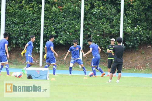 Giấu nỗi buồn, U23 VN gắng sức tập luyện - 6