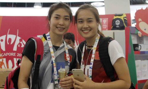"""Hot girl bóng chuyền Việt làm CĐV Singapore """"câm nín"""" - 1"""