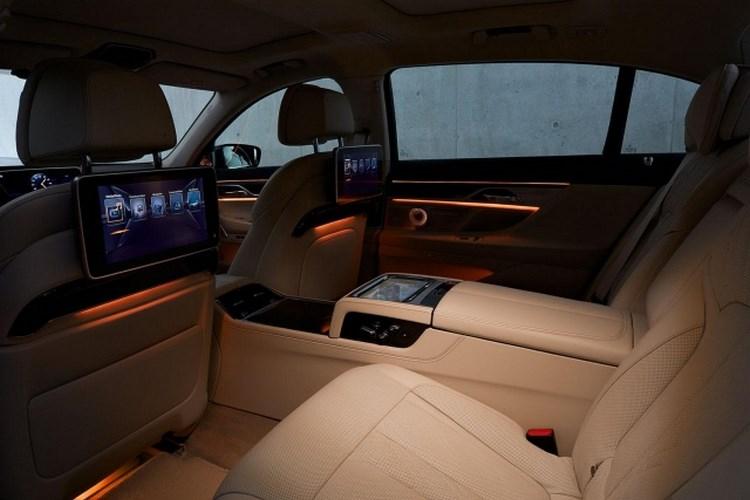 """5 công nghệ của BMW 7-Series khiến bạn """"sướng như vua"""" - 3"""