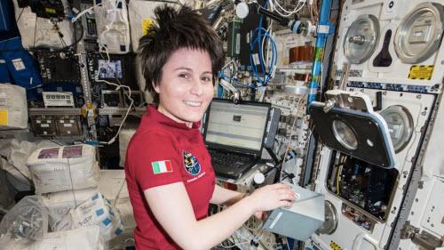 Internet trên trạm không gian chậm hơn cả... dail-up - 1