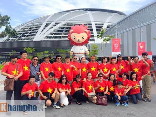 CĐV Việt ở Singapore: Niềm vui chưa trọn, hẹn SEA Games sau - 4
