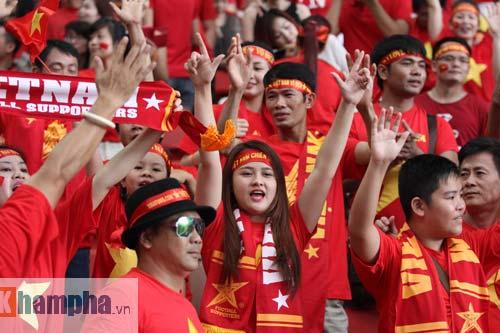 CĐV Việt ở Singapore: Niềm vui chưa trọn, hẹn SEA Games sau - 2