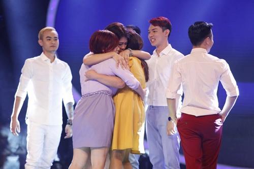 """BGK Vietnam Idol sử dụng quyền """"cứu"""" ngay Gala 2 - 7"""