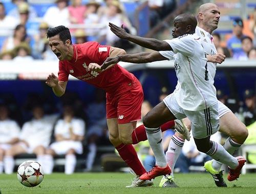 Carlos lập cú đúp, huyền thoại Real quật ngã Liverpool - 1
