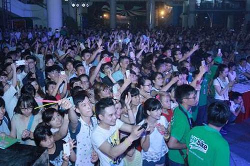 5000 người háo hức tham dự lễ ra mắt xe điện mới cho học sinh - 2