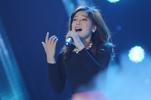 """Hoàng Yến Chibi khoe giọng ngọt ngào khi hát """"Yêu xa"""" - 1"""