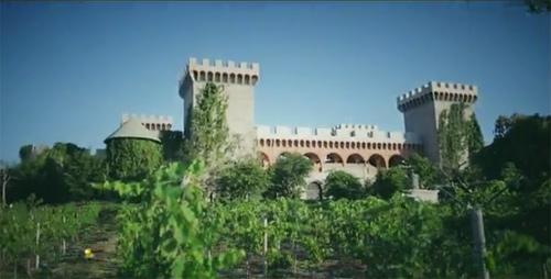 Khám phá lâu đài rượu vang ở Mũi Né - 1