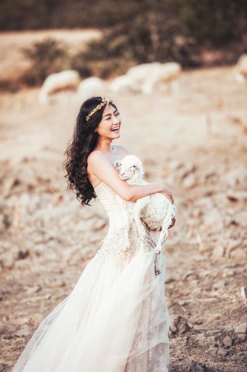 Ngọc Lan làm say đắm lòng người với nụ cười trẻ thơ - 7