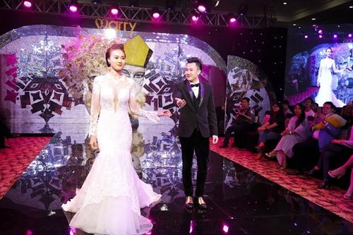 """Dương Triệu Vũ và Lan Ngọc """"kết hôn"""" trên sàn diễn - 5"""