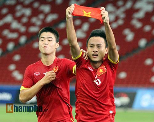 """U23 Việt Nam """"bùng cháy"""" trước U23 Indonesia tri ân CĐV - 12"""