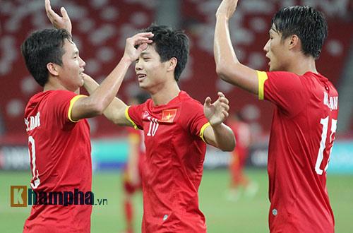 """U23 Việt Nam """"bùng cháy"""" trước U23 Indonesia tri ân CĐV - 14"""
