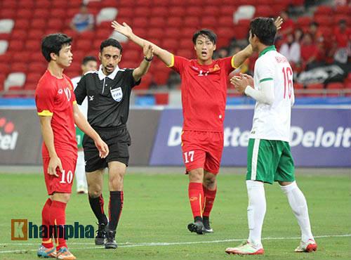 """U23 Việt Nam """"bùng cháy"""" trước U23 Indonesia tri ân CĐV - 4"""