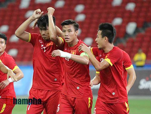 """U23 Việt Nam """"bùng cháy"""" trước U23 Indonesia tri ân CĐV - 7"""
