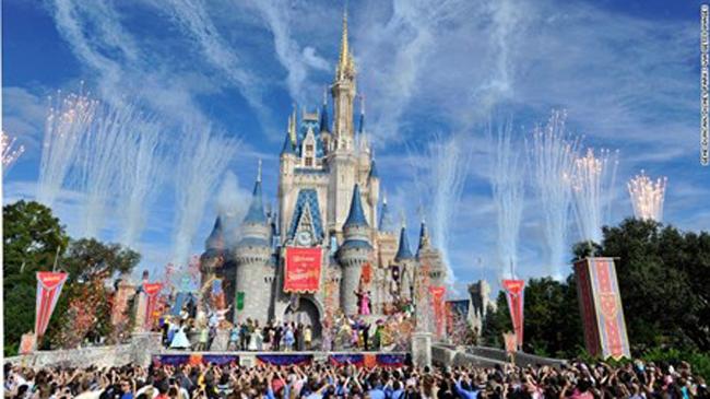 1. Vương quốc phép thuật, Florida, Mỹ. Vương quốc phép thuât thuộc công viên Walt Disney World đặt tại Florida luôn giữ vị trí số 1 trong các công viên giải trí trên thế giới.