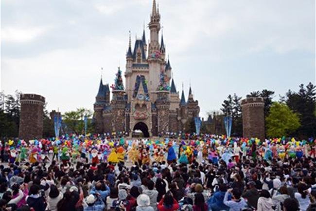 2. Disneyland Tokyo, Nhật Bản: Năm 2013, công viên Disneyland Tokyo vừa kỉ niệm sinh nhật lần thứ 30.