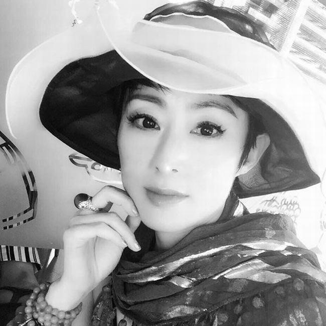Mỹ nhân đẹp nhất phim Châu Tinh Trì trẻ khó tin ở tuổi 47 - 3