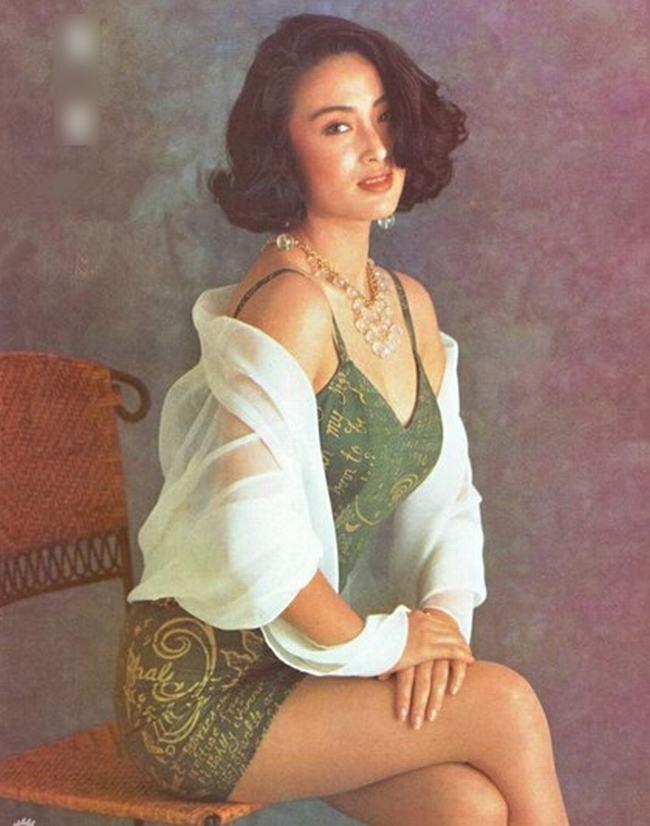 Mỹ nhân đẹp nhất phim Châu Tinh Trì trẻ khó tin ở tuổi 47 - 18