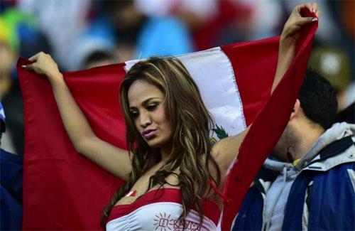 """Dàn mỹ nữ """"đốt cháy"""" Copa America 2015 - 10"""