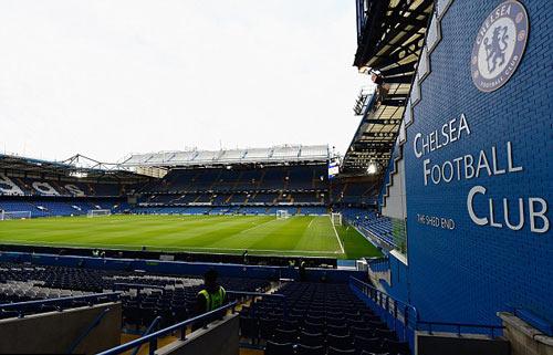 """Chelsea sắp phải """"sống nhờ"""" trong 3 năm - 1"""