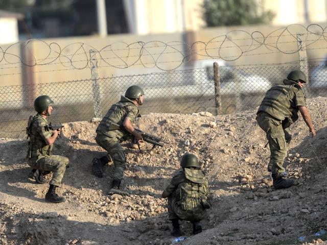 Phòng tuyến biên giới vỡ tan, IS hò nhau tháo chạy - 1