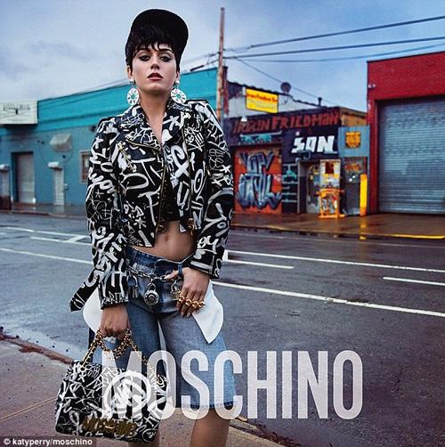 Katy Perry hở nửa người làm nàng thơ của Moschino - 3