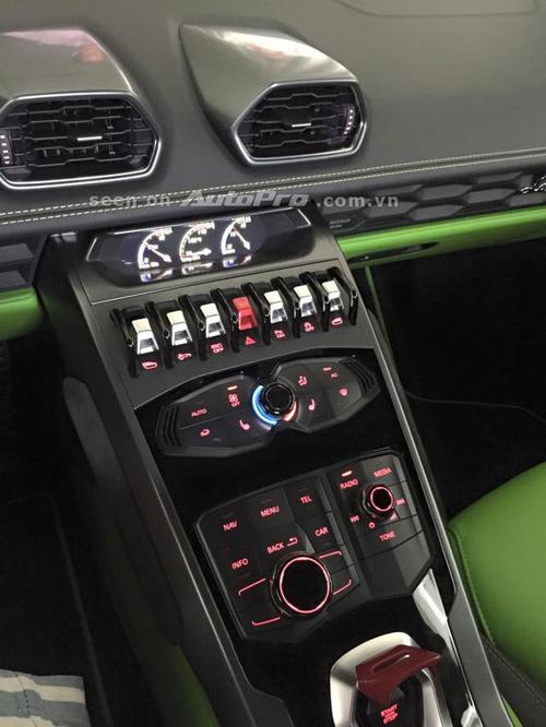Lamborghini Huracan LP 610-4 xanh cốm bất ngờ về Việt Nam - 3
