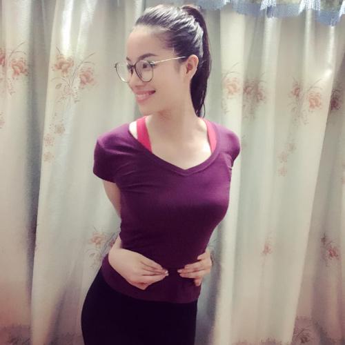"""Người mẫu Việt vòng tay chạm rốn mức độ """"siêu cấp"""" - 2"""