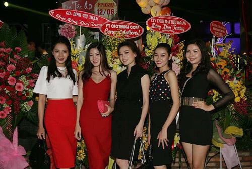 Hương Tràm 'hát sung, nhảy bốc' trên sân khấu Q10 - 8