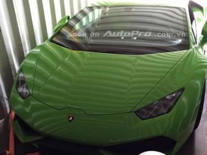 Lamborghini Huracan LP 610-4 xanh cốm bất ngờ về Việt Nam