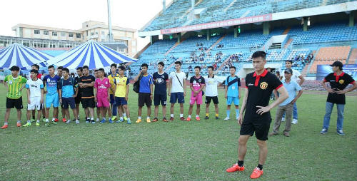 Siêu tiền đạo MU trực tiếp so tài cùng đội bóng V-League - 2